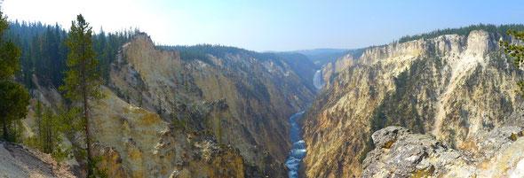 Wasserfall und Yellowstone-River