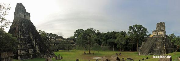 Der zentrale Platz von Tikal