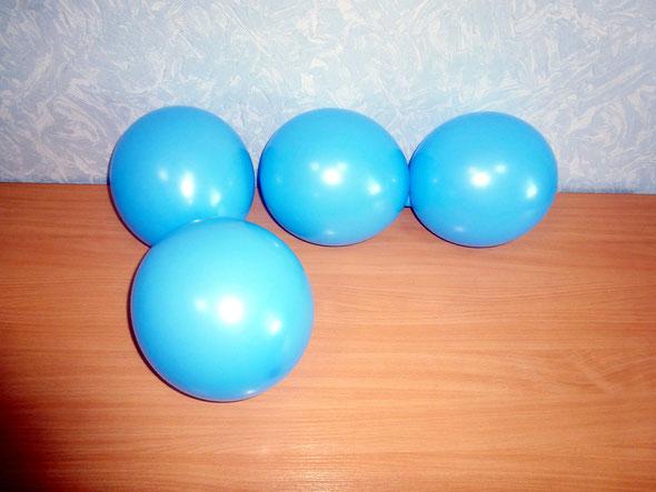 воздушные шары  Sempertex, связанные в две двойки (кластеры)