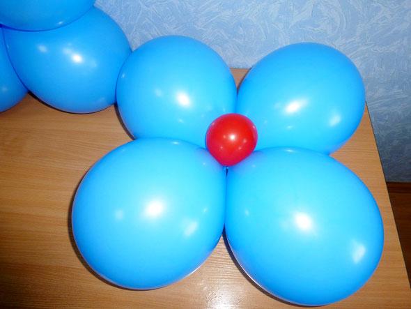 шарик с водой — утяжелитель для подставки