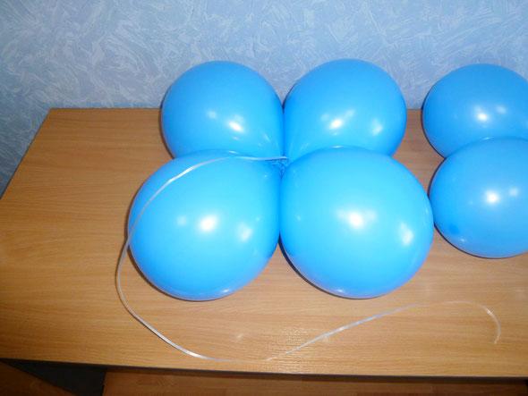 кластеры из воздушных шаров и тесьма