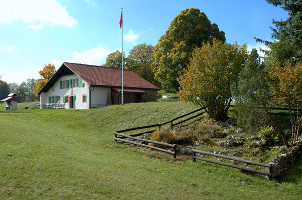 Magnifiquement situé, le chalet la Clinchy offre de multiples possibilités en été comme en hiver.