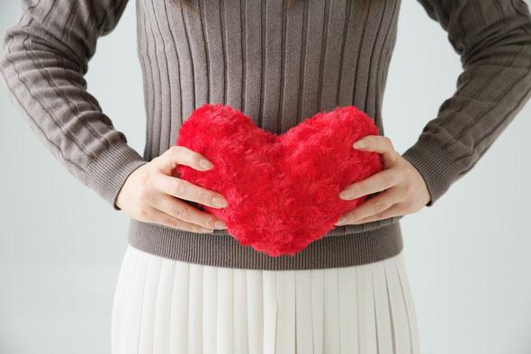 男性セラピストによるアロママッサージ | 女性ホルモンへの影響