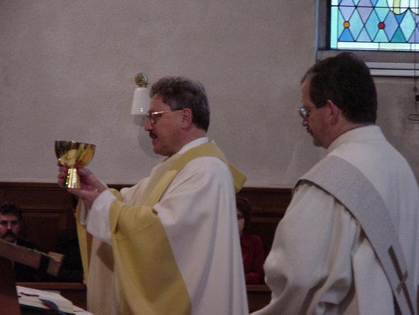 Segnung durch Pfarrer Josef Suter