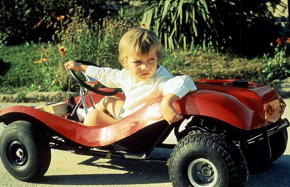 El Príncipe Felipe, actual Rey Felipe VI, disfrutando de su Kart modelo Pony