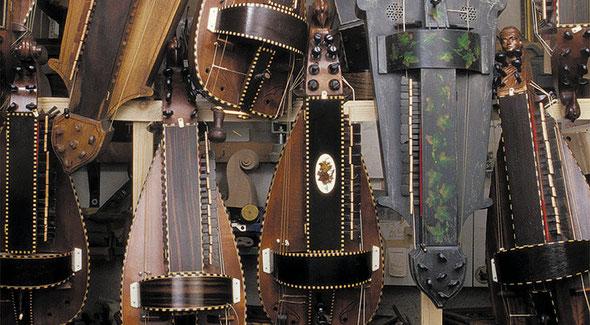 In über 40 Jahren Leierbau sind unterschiedlichste Modelle von Kurt Reichmanns entwickelt und gebaut worden
