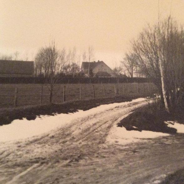 Gutshof Sturmen um 1940  Foto Vera Schlopsnies