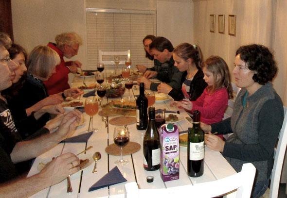 Voor het diner op vrijdag had iedereen iets meegenomen.