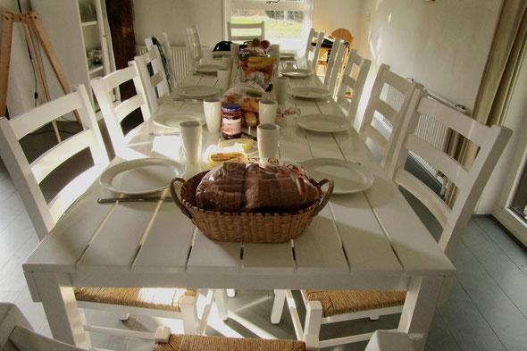 De tafel staat klaar.