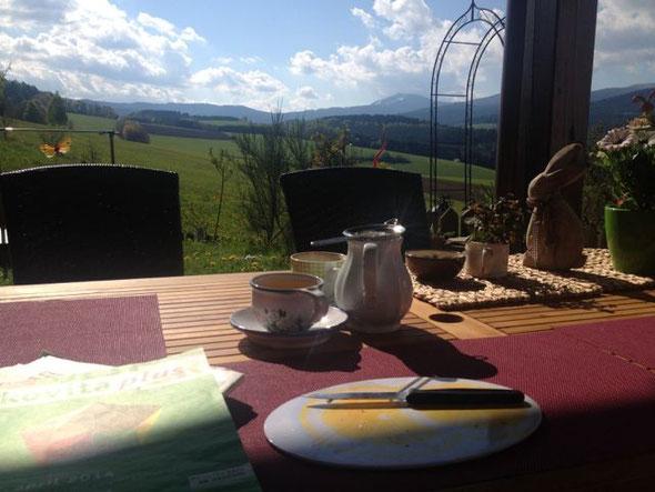 Frühstück in der Heimat ♥ mit Blick auf den großen Arber (breakfast at home with mountain view)