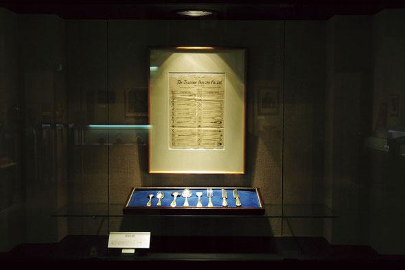 写真/2013年に行われた100年企業「燕物産株式会社」展に展示された、「Laurel 月桂樹」大正時代から続く日本最古のカトラリーデザイン展示。