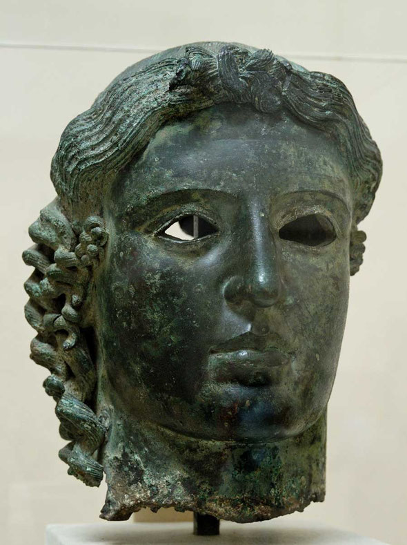 Bronze head of Apollo - aka The Chatsworth Head - BC 460 from Tamassos   © Marie-Lan Nguyen / Wikimedia Commons