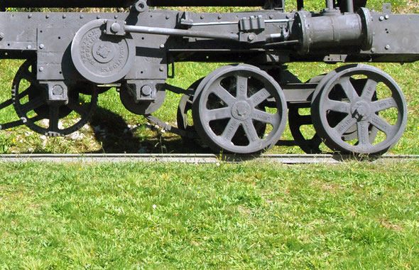 Details of the chain-drive mechanism to front and rear wheels on the Davidson Bush Locomotive