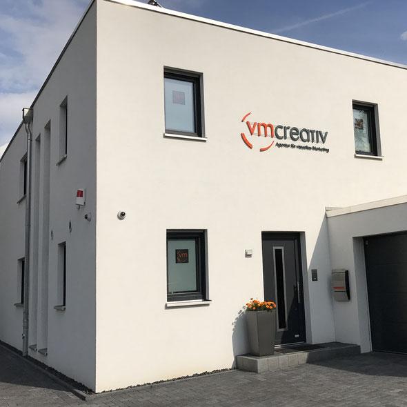 Agenturzentrale der vm-creativ GmbH l Agentur für visuelles Marketing www.vm-creativ.de bundesweiter Dekoservice Dekorationsdienstleistungen Seminare Deko Schaufenster VM Sandra Thurow