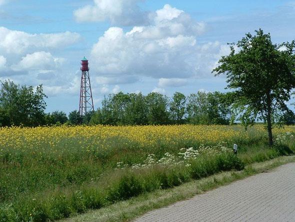 Campen bei Emden mit Leuchtturm