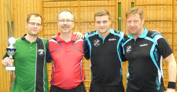 Die ersten Vier von links nach rechts: Frank Sponsel, Ralf Braun, Thorsten Eberhardt und Horst Rüb.