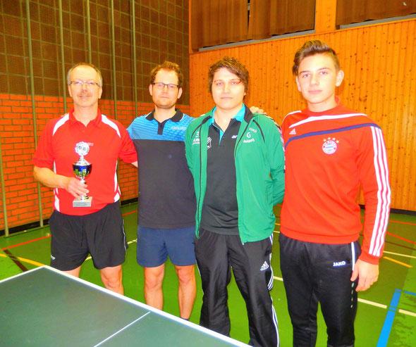 Die ersten Vier von links nach rechts: Ralf Braun, Frank Sponsel, Christian Eberhardt und Niklas Oberth.