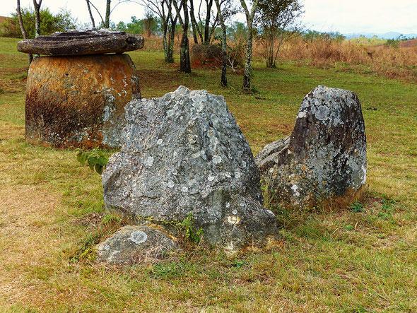 die Ebene der Tonkrüge bei Phonsavan in Laos