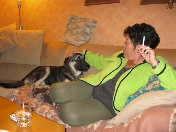 Kuschelstunde mit Mamas beste Freundin