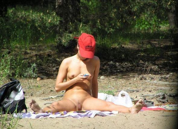 Fotos De Chicas Desnudas En La Playa S Nude Girls On The