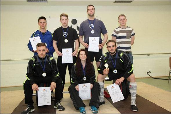Die Teilnehmer des KSV beim Gewichtheben (Foto von Vera Loch)