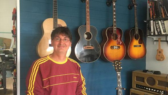 Article Pierre Journel La chaîne guitare Sacha Stefanovic