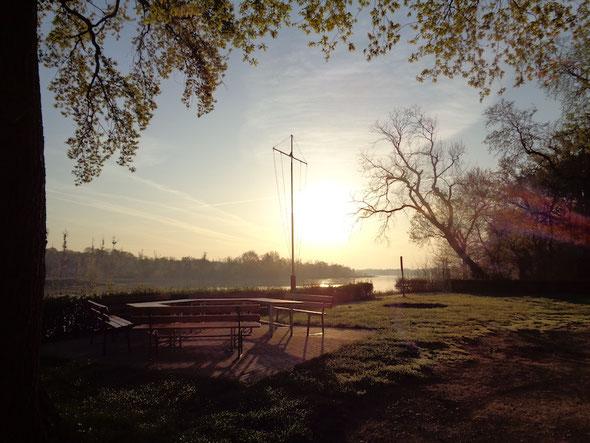 6 Uhr früh am Bootshaus - Sonnenaufgang im April