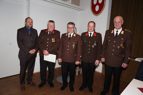 v.l.n.r. BGM Paul Hauser, HFM Fred Griesser, BFK OBR Reinhard Kircher, KDT BI Franz Auckenthaler, AK ABI Thomas Triendl