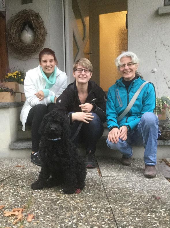 HUCKELBERRY ist nach Erlinsbach zu Noëmi, Joëlle und Sylvia (fehlen Res und Kevin) gezogen