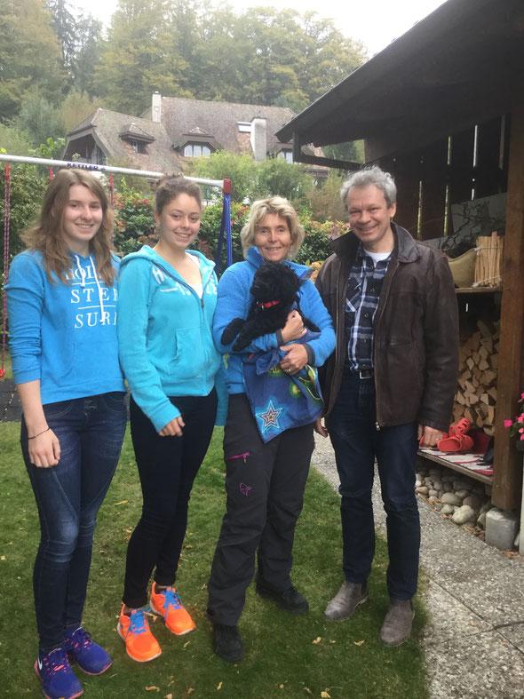 HOY ist nach Roggwil zu Ruedi, Eva, Carla und Annina gezogen.