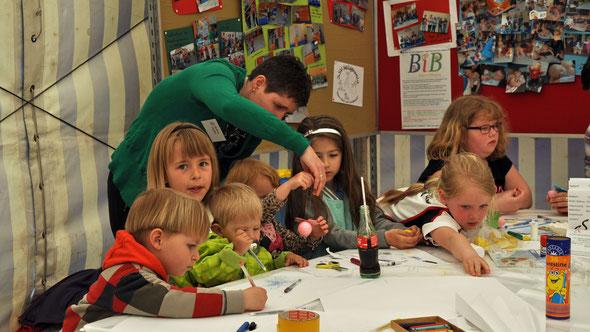 Kinderbetreuung beim Event 2014 im Festzelt