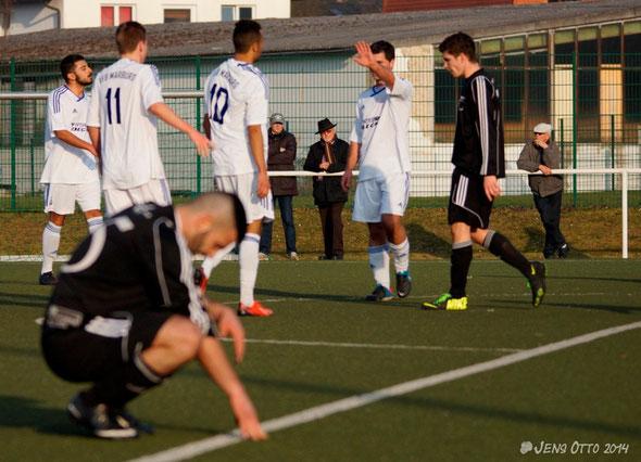 Zum Rückrundenauftakt im Jahr 2014 kommt der FSV Schröck beim VfB Marburg mit 3:0 unter die Räder