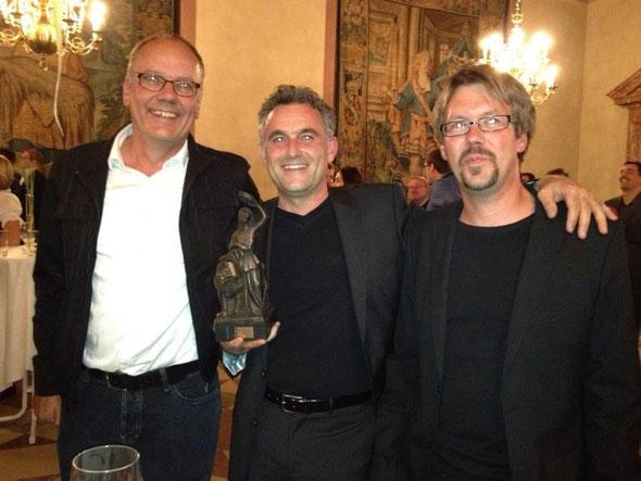 Campilots mit der neuen cablecam von photokopter.com haben bei den cinec Awards den ersten Platz belegt. Ich bin mächtig stolz zusammen mit den Jungs von campilots auf unseren Erfolg. (v.r.l Volker Tittel, Dieter Wurster, Holger Fleig)