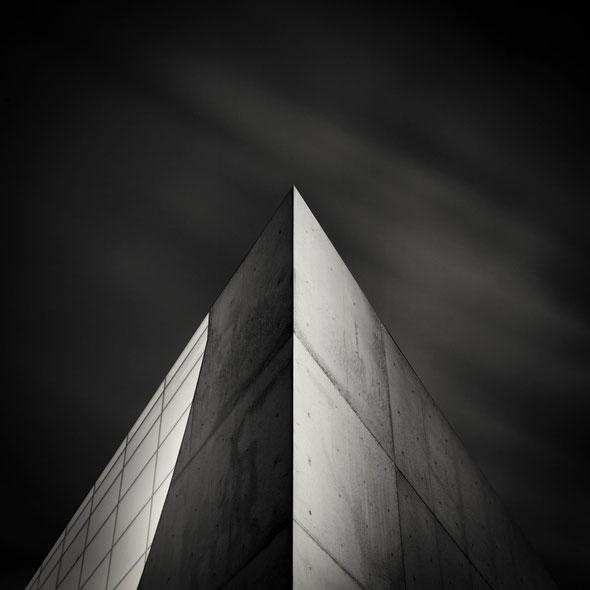 Phaeno Study #1 (Copyright Martin Schmidt, Fotograf für Schwarz-Weiß Fine-Art Architektur- und Landschaftsfotografie aus Nürnberg)