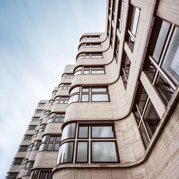 Shell-Haus :: Copyright Martin Schmidt, Fotograf für Schwarz-Weiß Fine-Art Architektur- und Landschaftsfotografie aus Nürnberg