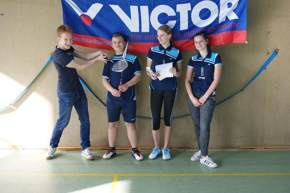 Daniel Verholen (Coach), Dominik Borkowski, Elena Martic und Analena Heising
