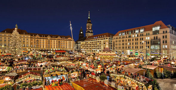 ドイツ最古のクリスマス市場として知られるドレスデンのシュトリーツェルマルクト。 ©Tim A. Bruening/flickr