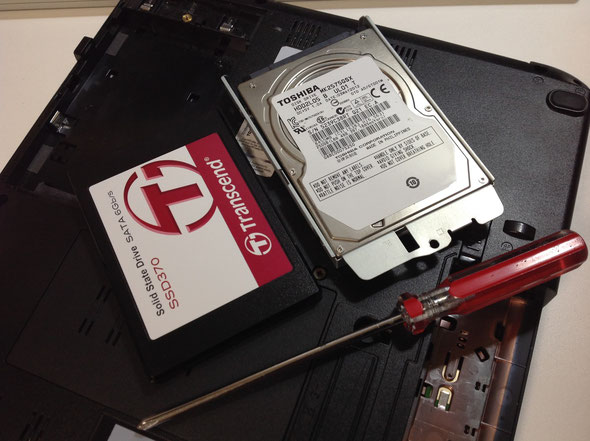 破損した256GBハードディスクをSSD128GBに交換
