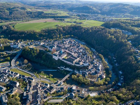 Luftbild Weilburg von Dktue, via Wikimedia