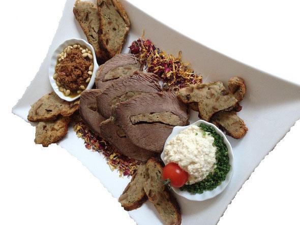 Häppchens Rinder-Bauerenbrotbraten Platte ab 4 Personen