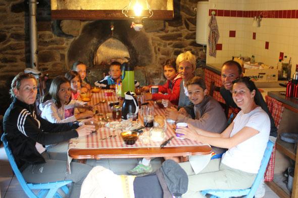 En famille à pieds ou avec des anes: la vie est belle à Sarbonnel ..!