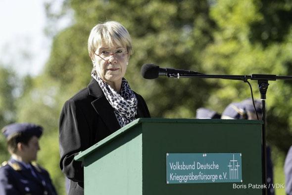 8. September 2012 in Andilly (Frankreich) anlässlich der Gedenkveranstaltung zum 50. Jahrestag der Einweihung des deutschen Soldatenfriedhofs