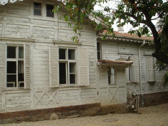 Holzhäuser auf dem Gelände von Tarabya 2007