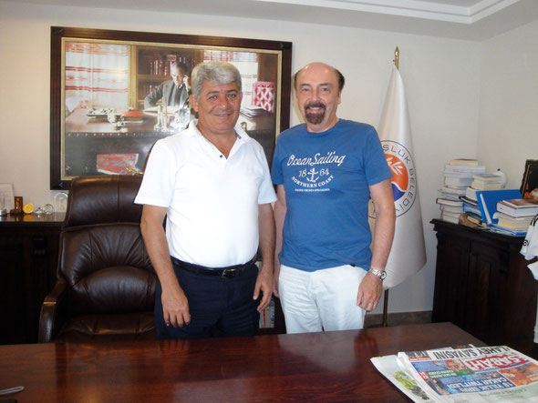 Bürgermeister Mehmet Tire und Peter Hofmann