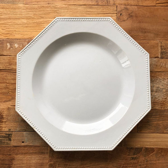 Montereauの1800年代後期の大皿。サイズは約33.5cmでとても状態もきれいです。