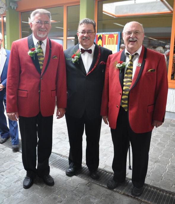 Herzliche Gratulation den neuen kantonalen Ehrenveteranen (50 Aktivjahre) !!!! v.l.n.r. Robert Buck, Peter Baumann und Roland Hofmann