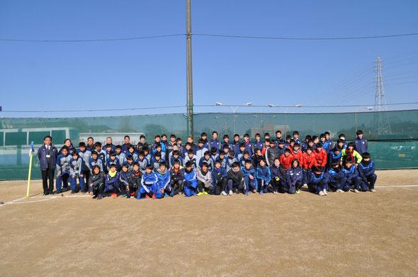 上尾市サッカー協会全カテゴリーでの集合写真