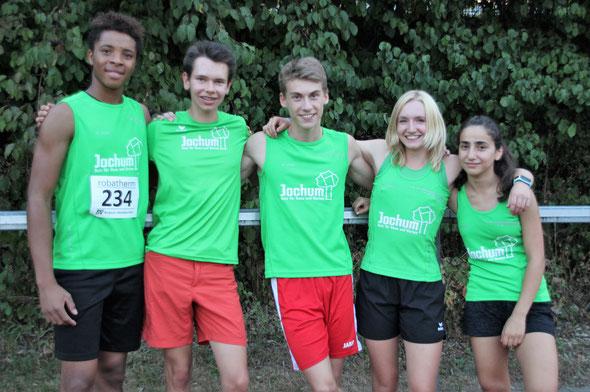 Gruppenbild der Jugend: vl. Emmanuel, Jonas, David, Maja und Lavin
