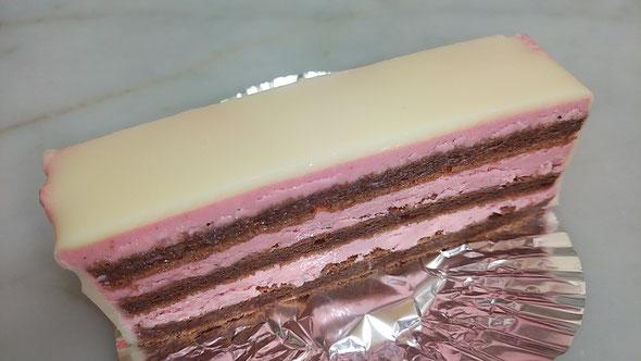 イチゴチョコケーキ