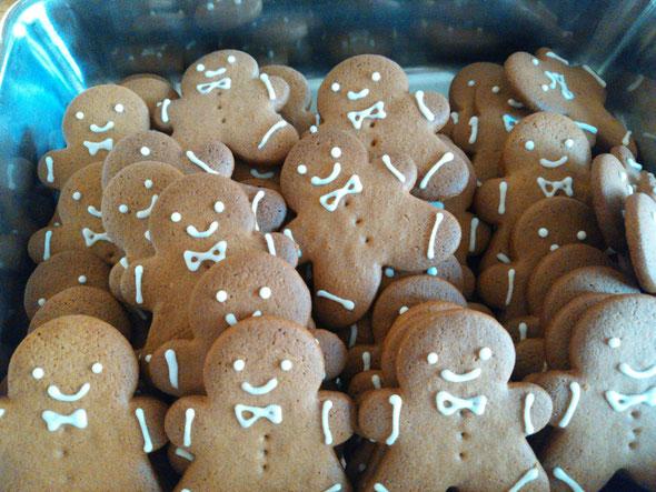 ジンジャーマンクッキーもクリスマス限定商品。スパイスがきいてます。